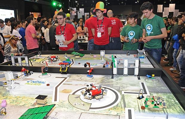 Olimpíadas De Robótica, Programación Y Videojuegos Reunieron A 1.200 Jóvenes