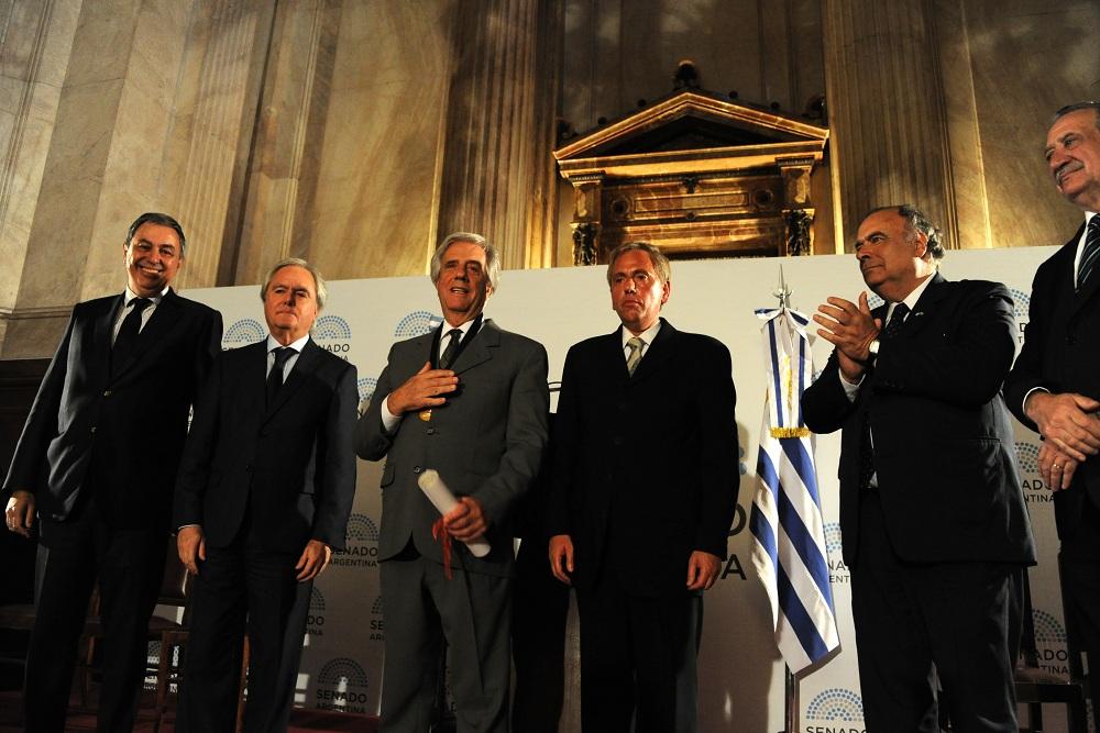 Vázquez Recibió Premio Derechos Humanos 2016 En Nombre De Todos Los Uruguayos