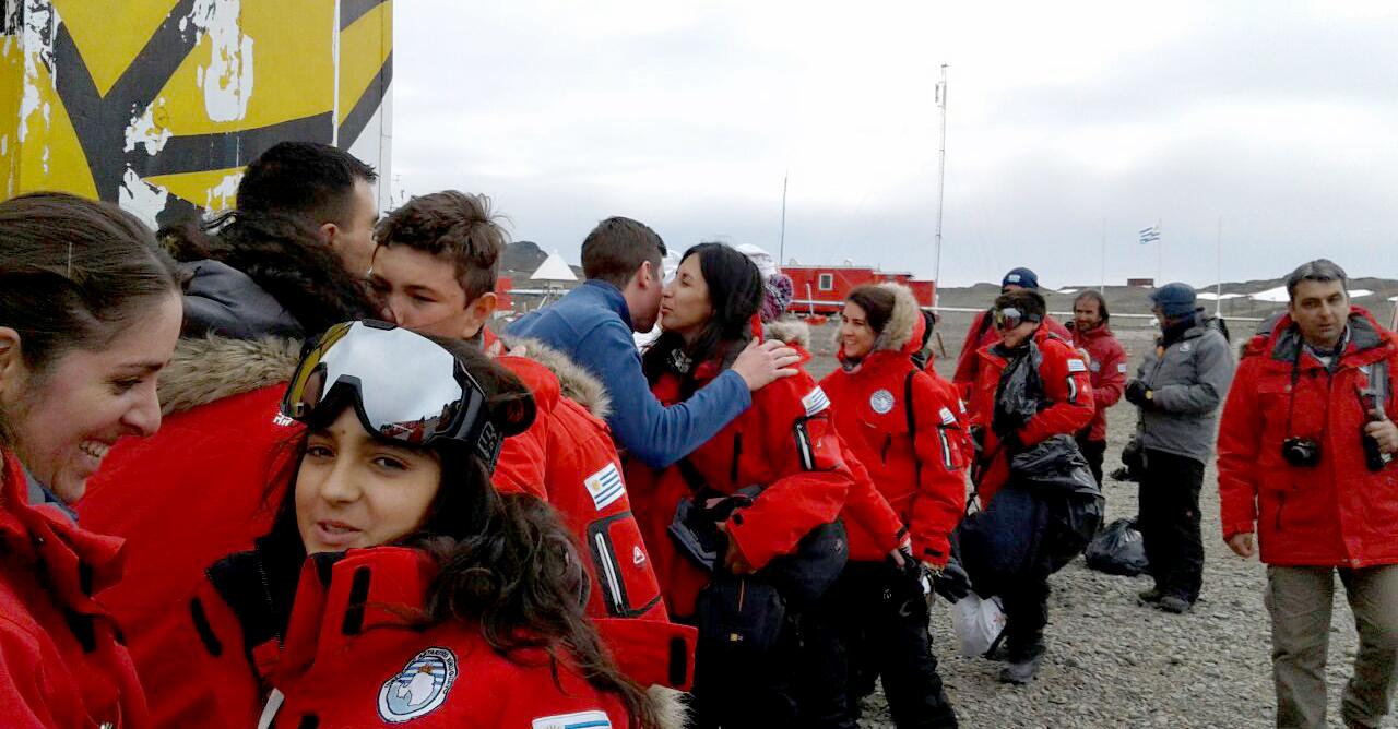Estudiantes En La Antártida