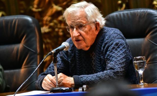 Chomsky En Uruguay