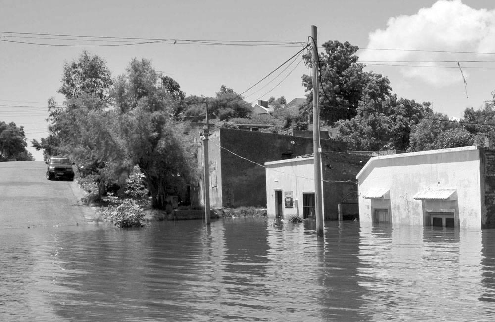Hay 885 Personas Desplazadas Por Las Inundaciones