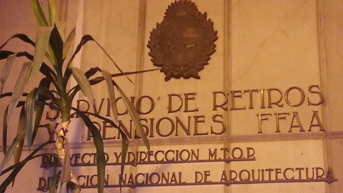 LA REFORMA DEL SISTEMA DE RETIROS Y PENSIONES MILITAR ES A FAVOR DE LA EQUIDAD #EscribeMónica