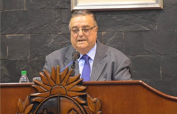 José Bruno: «TAL VEZ DEBERÍA VOLVER LA DICTADURA»